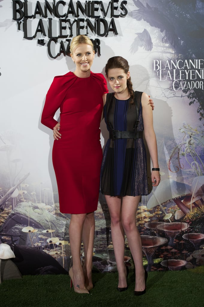 Kristen Stewart and Charlize Theron embraced for the Snow White and the Huntsman photocall in Madrid.