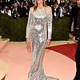 Cindy Attended the 2016 Met Gala in This Body-Hugging Dress