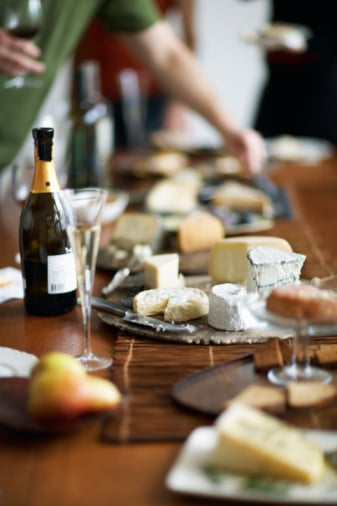 France Taps 1,000 Americans to Hold Wine & Cheese Parties