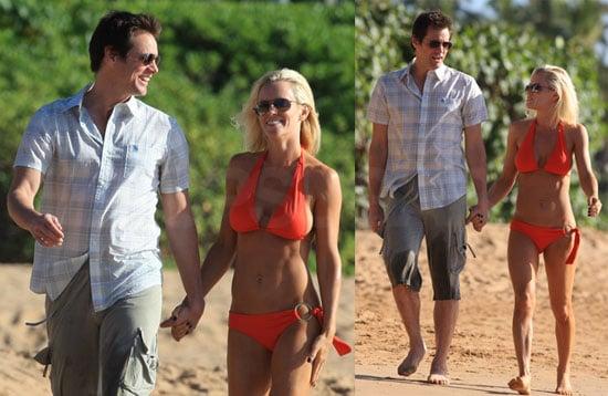 Jenny McCarthy Bikini Photos in Hawaii With Jim Carrey 2009-01-06 07:05:00