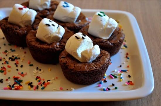 martha stewarts simple halloween marshmallow sprinkle marshmallow skulls popsugar moms - Martha Stewart Halloween Cakes
