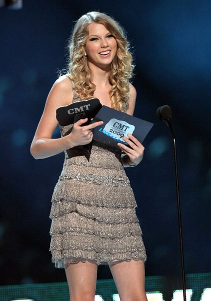 Photos From 2009 Cmt Awards Including Taylor Swift Sheryl Crow Kid Rock T Pain Luke Wilson And Others Popsugar Celebrity