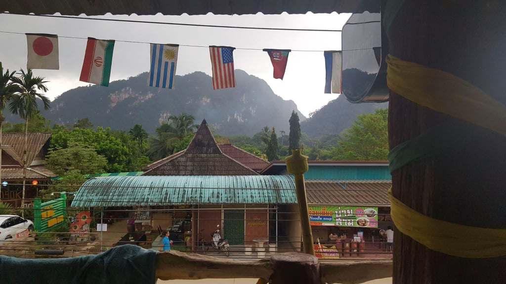 Relax in the Khao Sok village