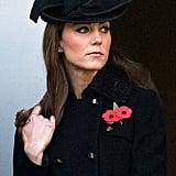 Auch Kate weiß manchmal anscheinend nicht wohin mit ihren Händen. Also ab damit in die Haare!