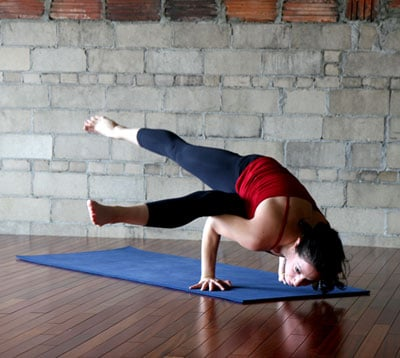 Strike a Yoga Pose: Scissor Legs Side Crow