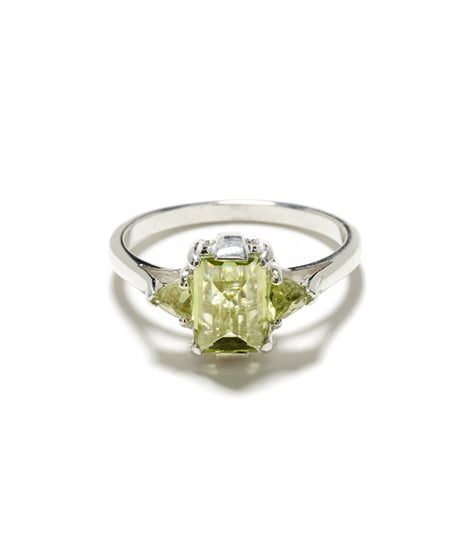 Anna-Sheffield-Bea-Peridot-Cocktail-Ring-550