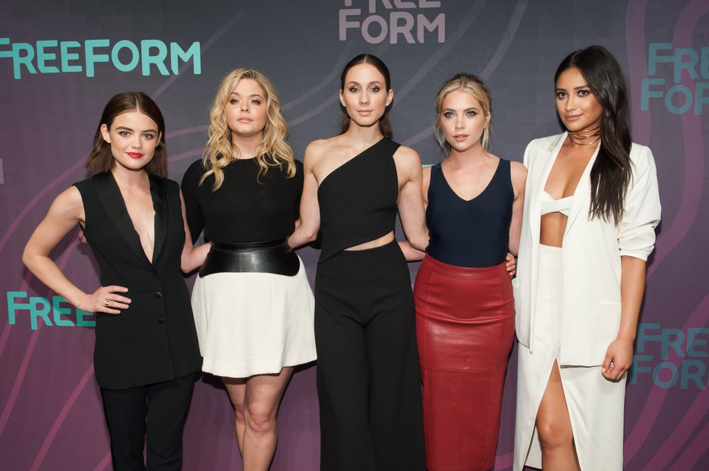 who are the pretty little liars cast dating 6 pretty little liars actresses who hooked up with a co-star, pll stars that dated a costar in real life.