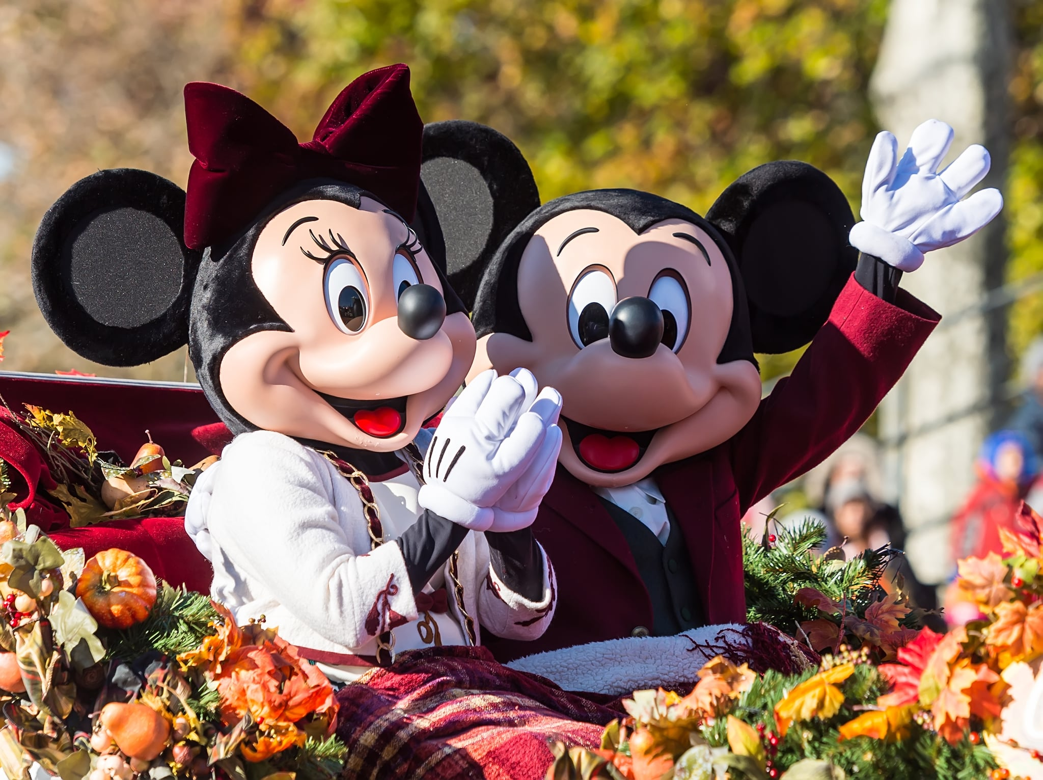 PHILADELPHIA, PA - NOVEMBER 22:  Walt Disney characters Minnie Mouse and Mickey Mouse attend the 99th Annual 6abc Dunkin' Donuts Thanksgiving Day Parade on November 22, 2018 in Philadelphia, Pennsylvania.  (Photo by Gilbert Carrasquillo/Getty Images)
