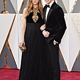 Eddie Redmayne Brought His Smoldering Good Looks to the Oscars