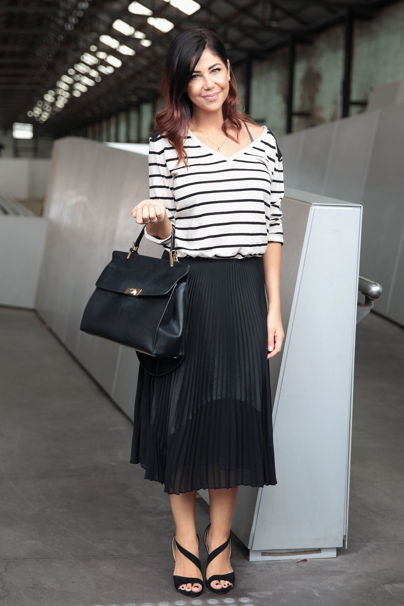 This black and white look is ideal for a Summer day at the office. It's sophisticated and chic.