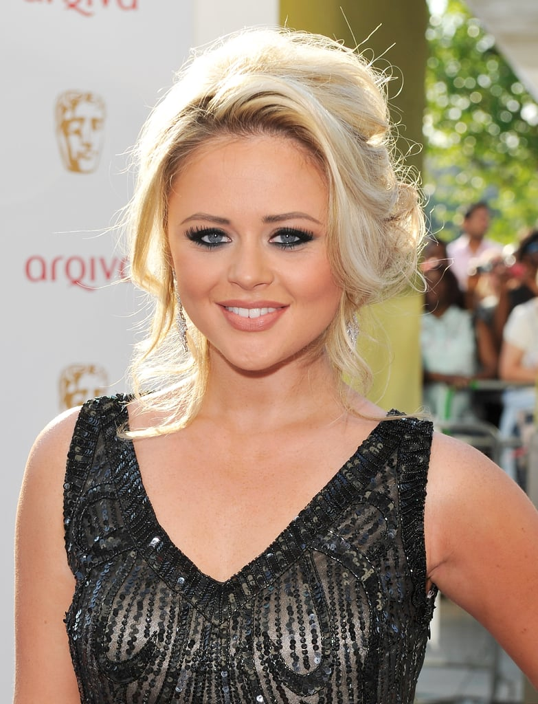 Emily Atack went for a '90s inspired look with smoky feline eyes.