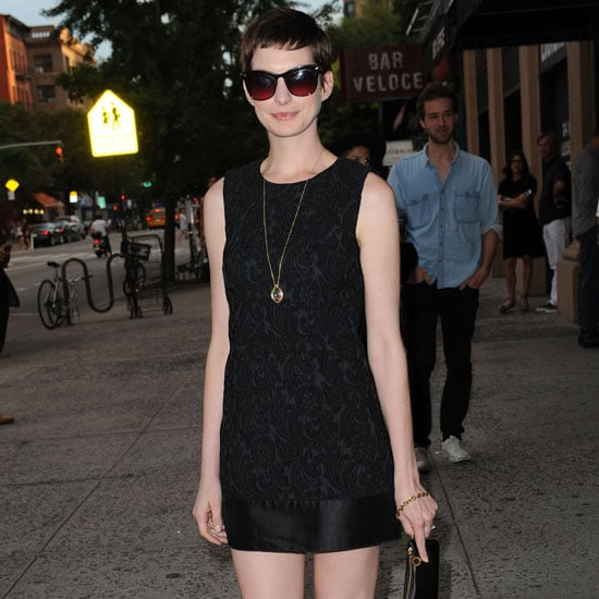 Anne Hathaway Engaged Celebrity Save The Dateanne: Anne Hathaway Wearing Sleeveless Black Dress