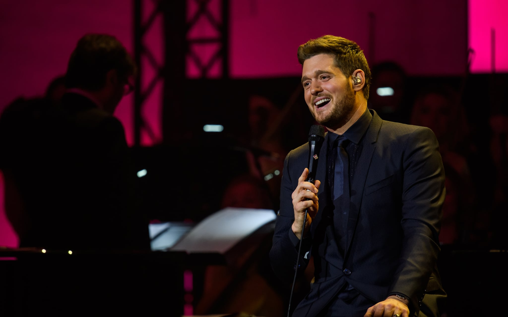 MUNICH, GERMANY - DECEMBER 04: Singer Michael Buble performs live on stage during the Telekom Street Gigs at Wappenhalle on December 4, 2018 in Munich, Germany. (Photo by Joerg Koch/Getty Images)