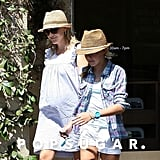 Reese Witherspoon Kicks Off the Weekend at a Salon With Ava