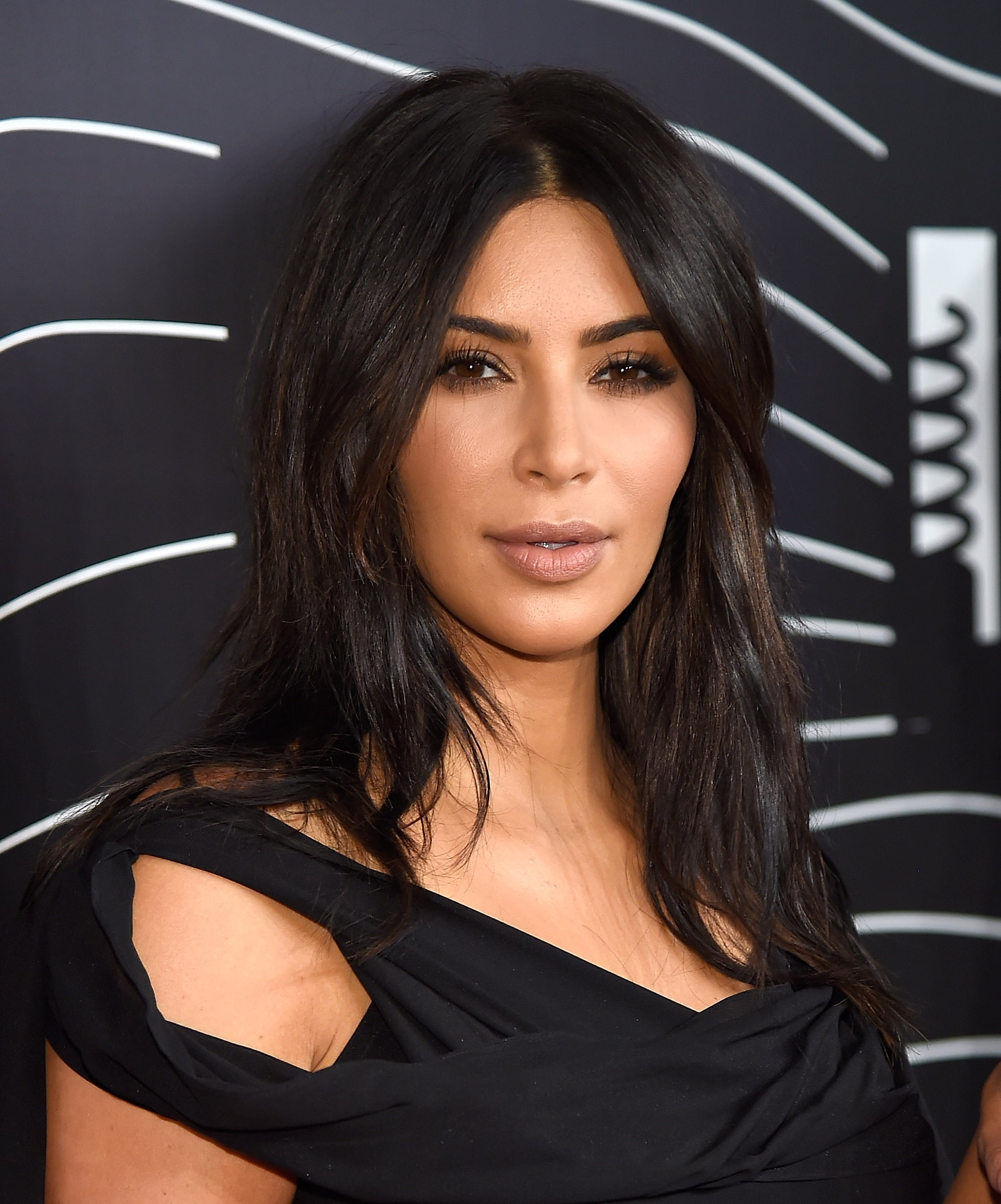 You Have Lightly Wavy Hair Like Kim Kardashian A Celebrity Stylist Reveals How To Get The Best Beach Waves Of Your Life This Summer Popsugar Beauty Photo 3