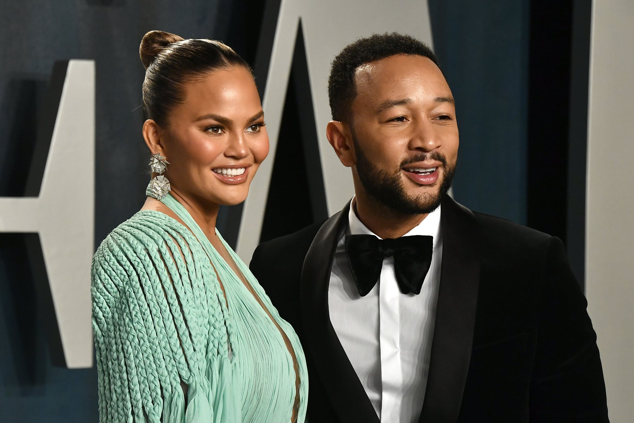 BEVERLY HILLS, CALIFORNIA - FEBRUARY 09: Chrissy Teigen and John Legend attend the 2020 Vanity Fair Oscar Party hosted by Radhika Jones at Wallis Annenberg Centre for the Performing Arts on February 09, 2020 in Beverly Hills, California. (Photo by Frazer Harrison/Getty Images)