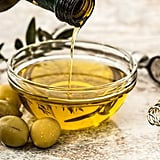 What Is a Moisturizing Oil?