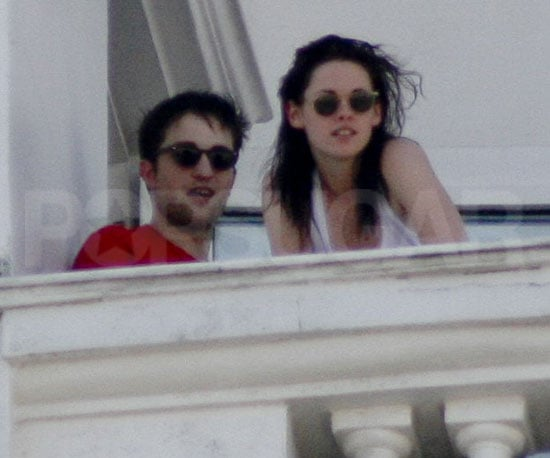 Picture Slide of Robert Pattinson and Kristen Stewart in Rio
