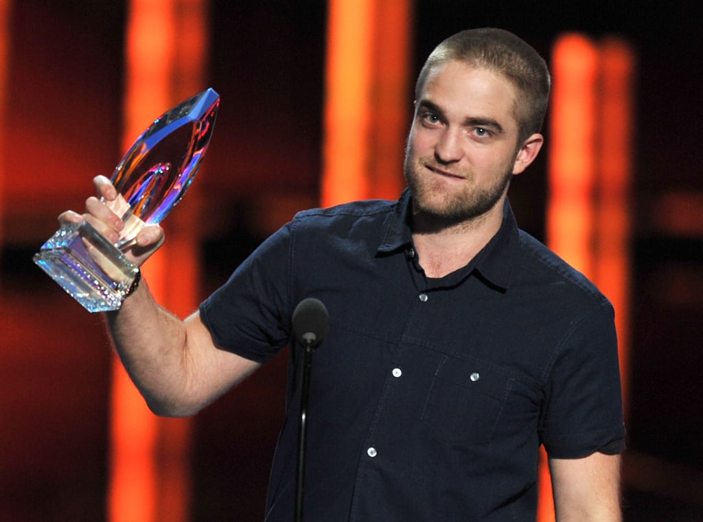 Robert Pattinson accepted an award for favorite movie drama on behalf of Water For Elephants.