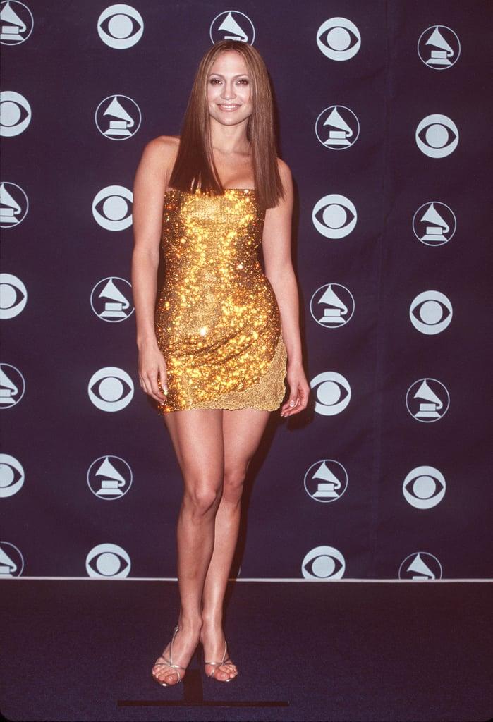 Jennifer Lopez's Sleek Blunt Cut in 1999