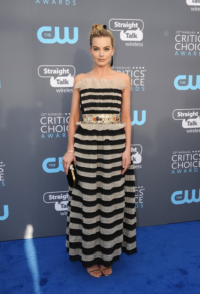 For the 2018 Critics' Choice Awards, Margot chose striped Chanel, which was equipped with a bejeweled belt at the center.