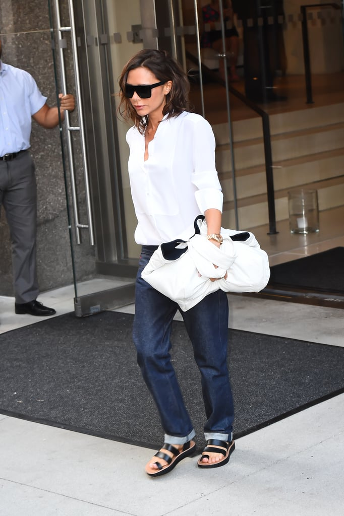 victoria beckham wearing boyfriend jeans september 2016 popsugar fashion. Black Bedroom Furniture Sets. Home Design Ideas