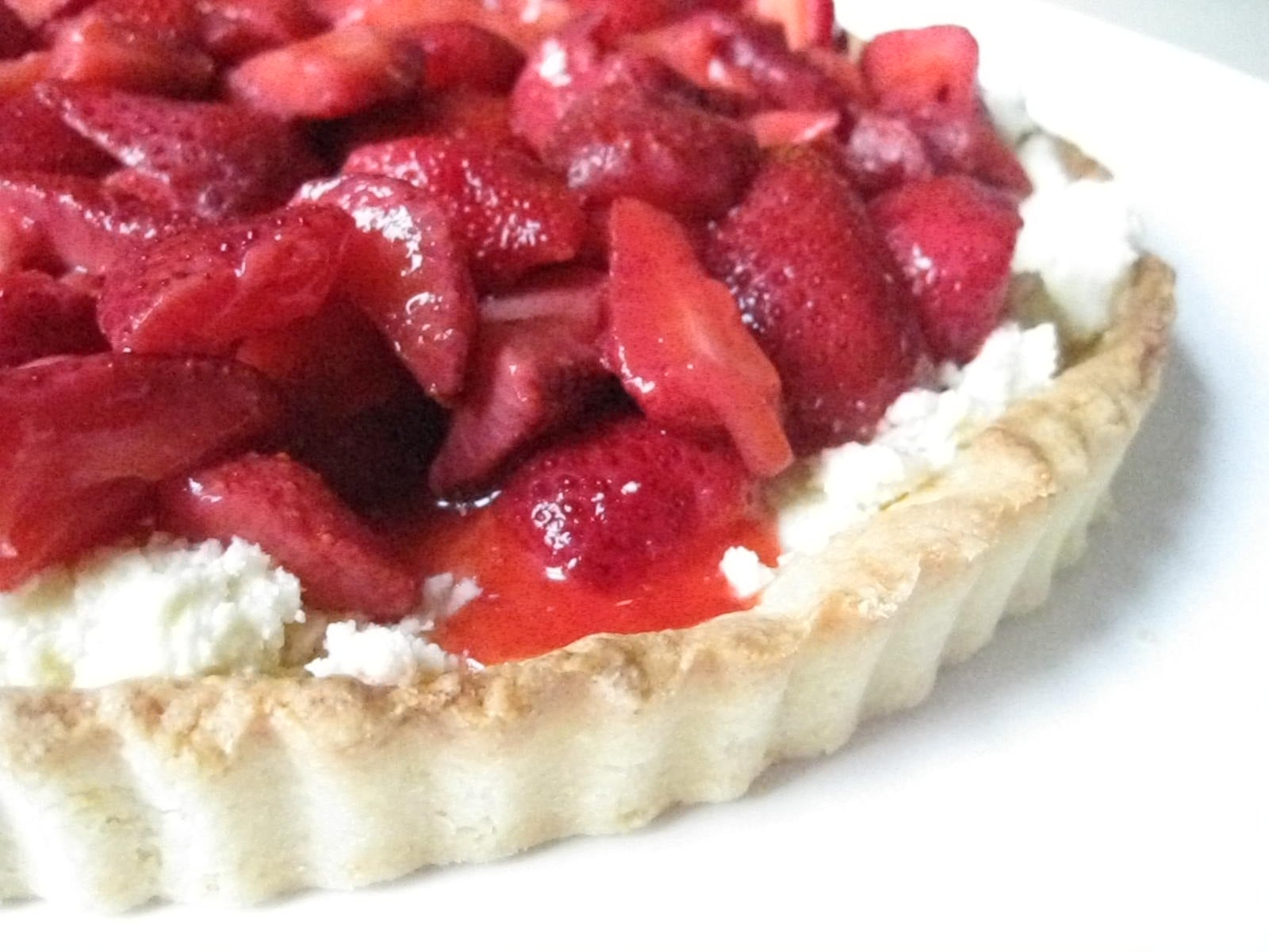 Strawberry Mascarpone Tart With Port Glaze Recipe — Dishmaps