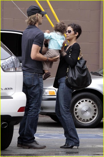 Halle Berry grabs lunch with her lovely family