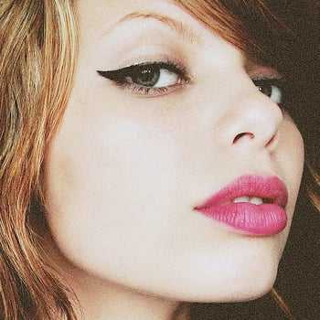 How to Wear Winged Eyeliner