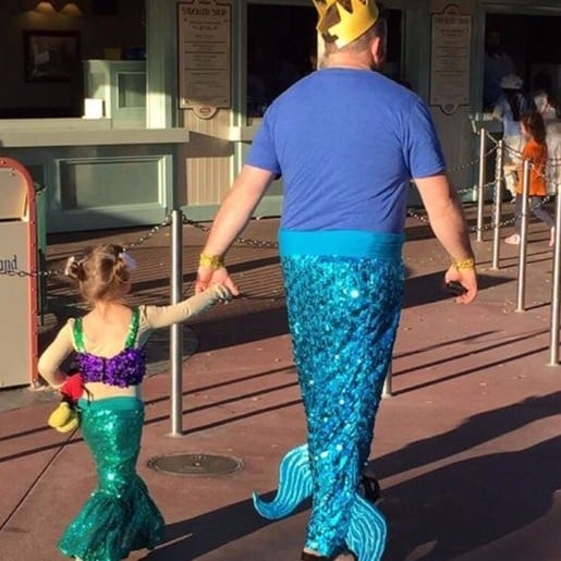 Dad Dresses Up as Little Mermaid With Daughter at Disneyland