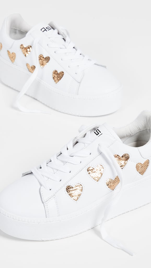 Cute and Cool Sneakers For Moms