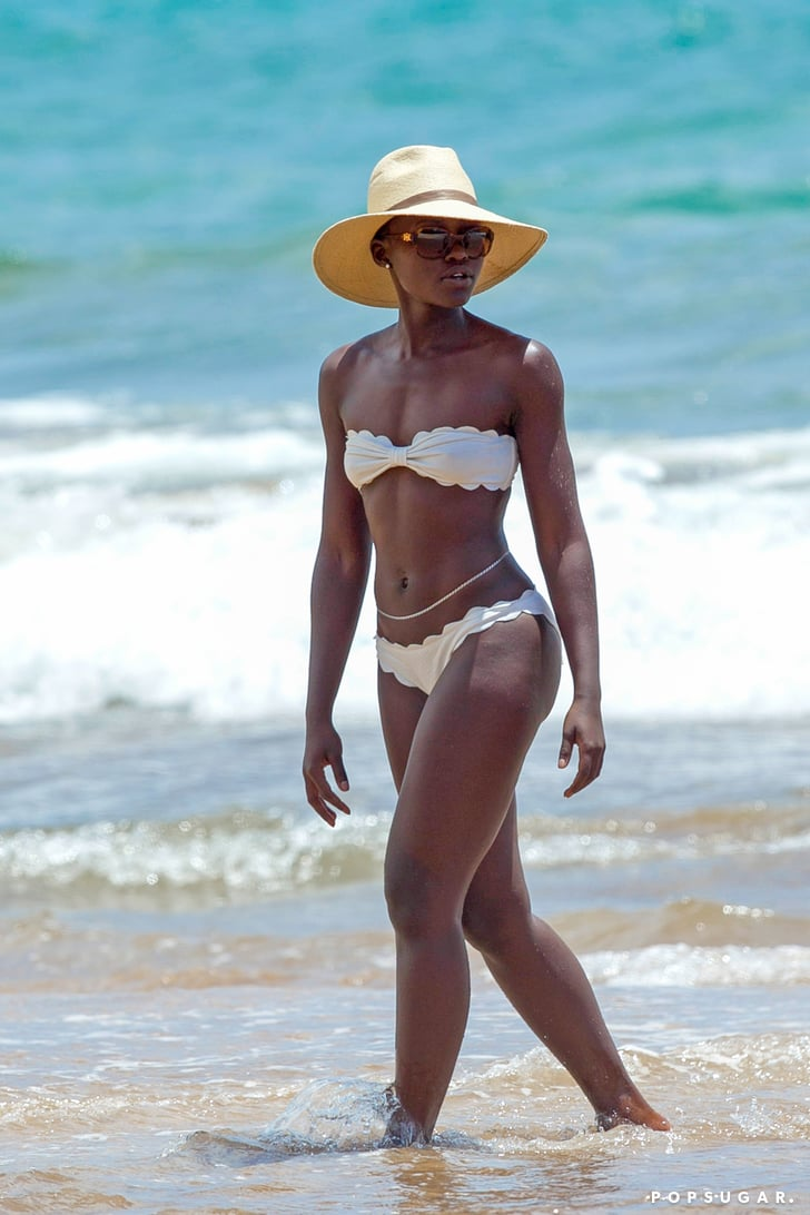 Lupita nyong 39 o in a bikini in hawaii pictures popsugar for Format 41 raumgestaltung ag