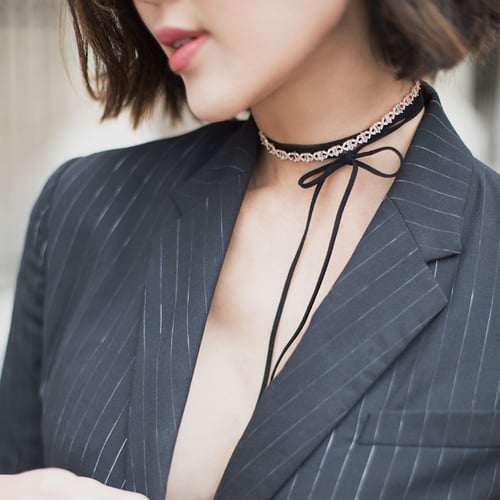 5 Gorgeous and Sophisticated Ways to Wear a Pinstripe Blazer
