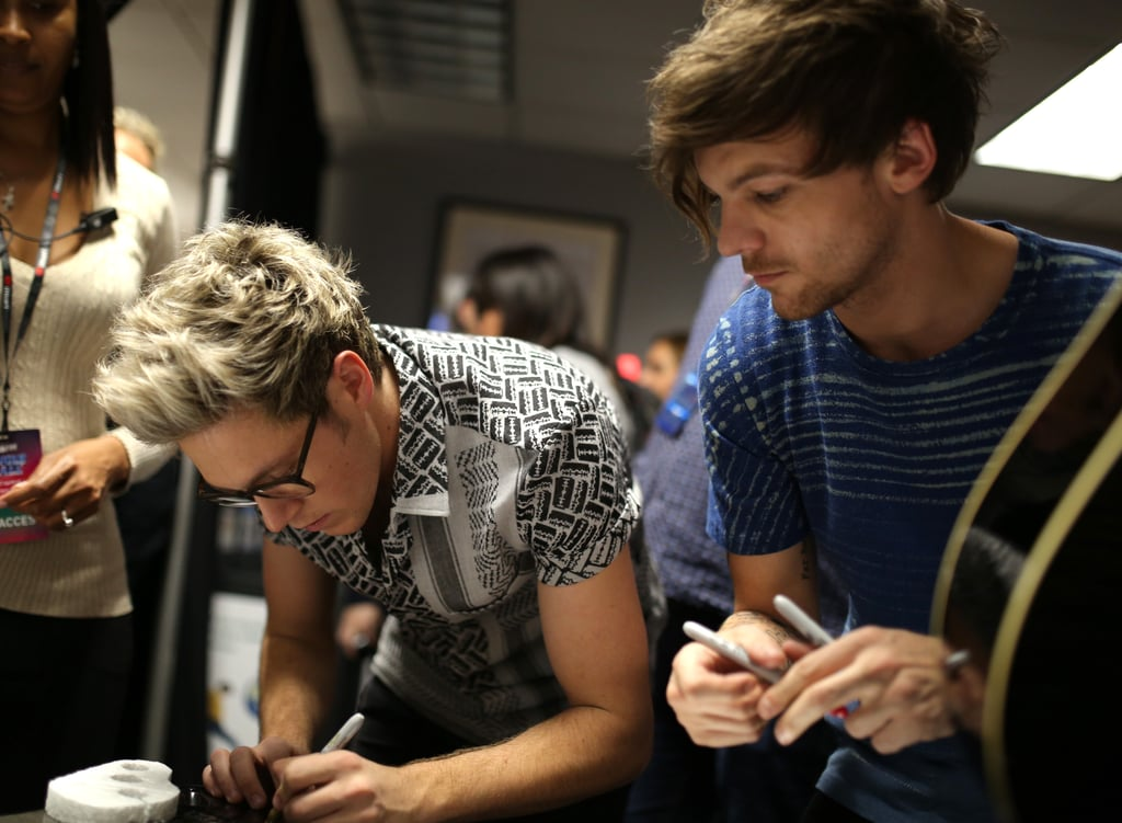 Niall Horan and Louis Tomlinson at Jingle Ball in LA in 2015