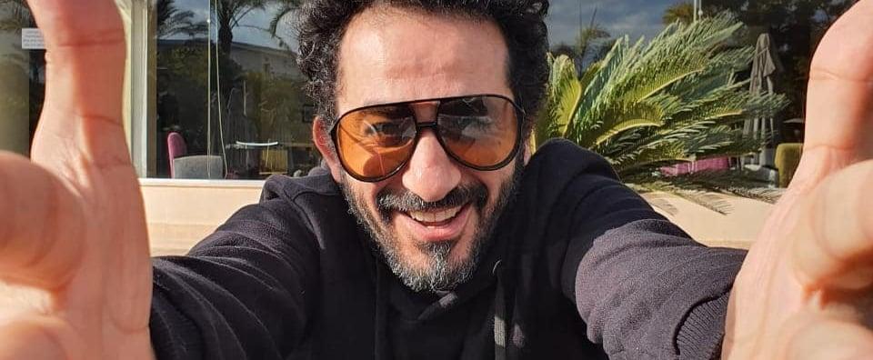 أحمد حلمي وهناء الزاهد في مسلسل إذاعي بعنوان  لف وارجع تاني