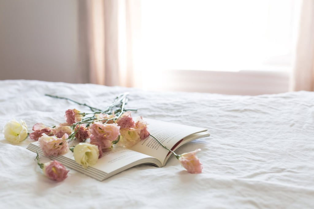 How to Incorporate Flowers Into Your Bedroom Decor