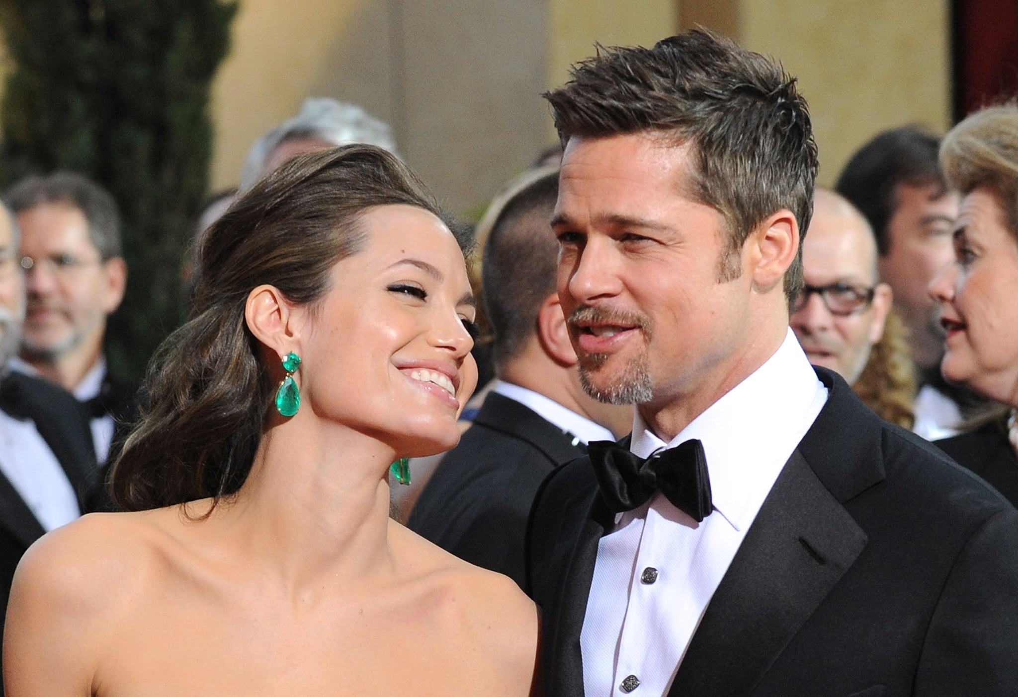 All eyes were on Angelina Jolie's earrings at the 2009 Academy Awards, but she only had eyes for Brad Pitt.