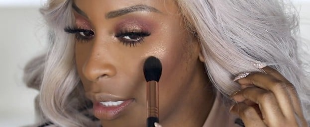 Jackie Aina's Rose Gold La Bronze Highlighter Is BACK — With a New Launch