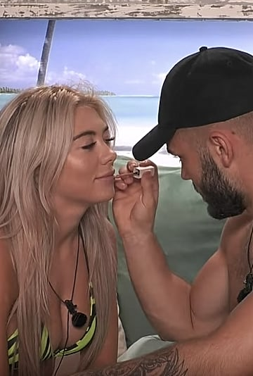 Watch Love Island's Finley Do Paige's Makeup