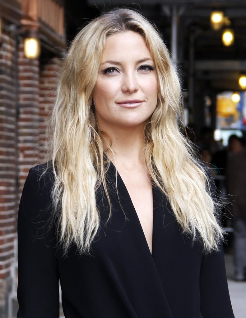 Kate Hudson's beachy waves (and green shadow)