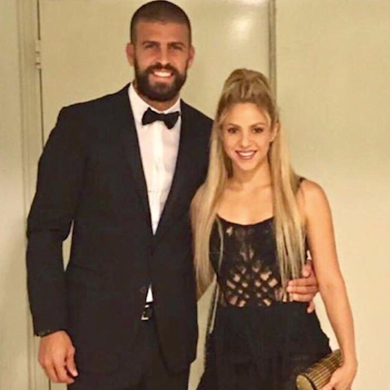 sc 1 st  Popsugar & Shakirau0027s Yolanda Cris Dress For Lionel Messi Wedding | POPSUGAR Latina