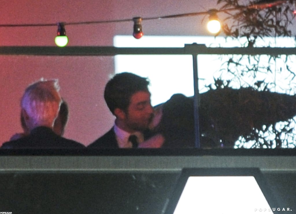 Robert Pattinson and Kristen Stewart kissed in Cannes.