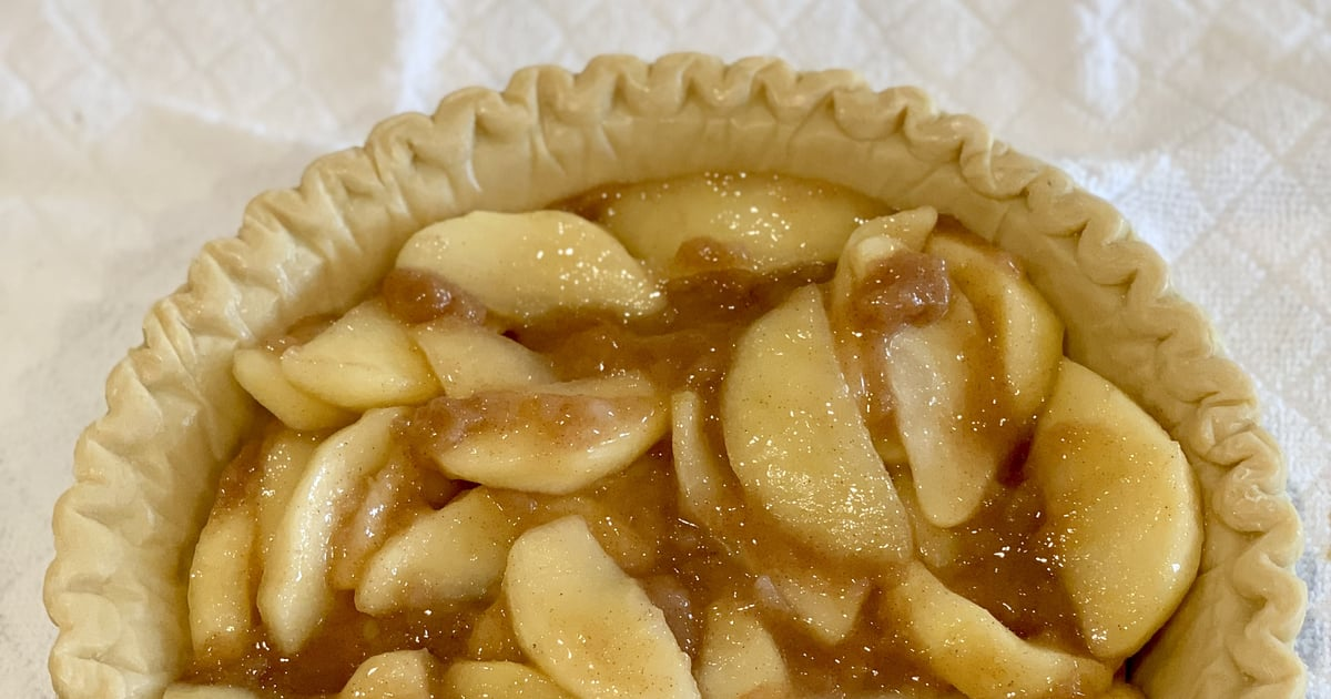 It Takes Just 15 Minutes to Make This Easy Stovetop Apple Pie Filling Recipe