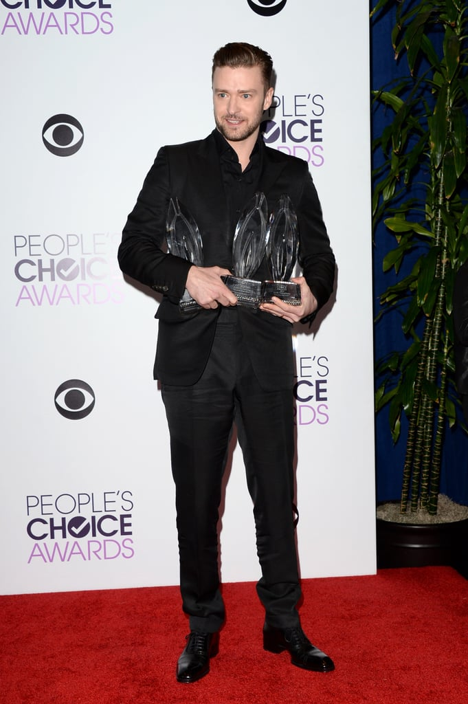 A few People's Choice Awards didn't throw off Justin's streamlined black style!