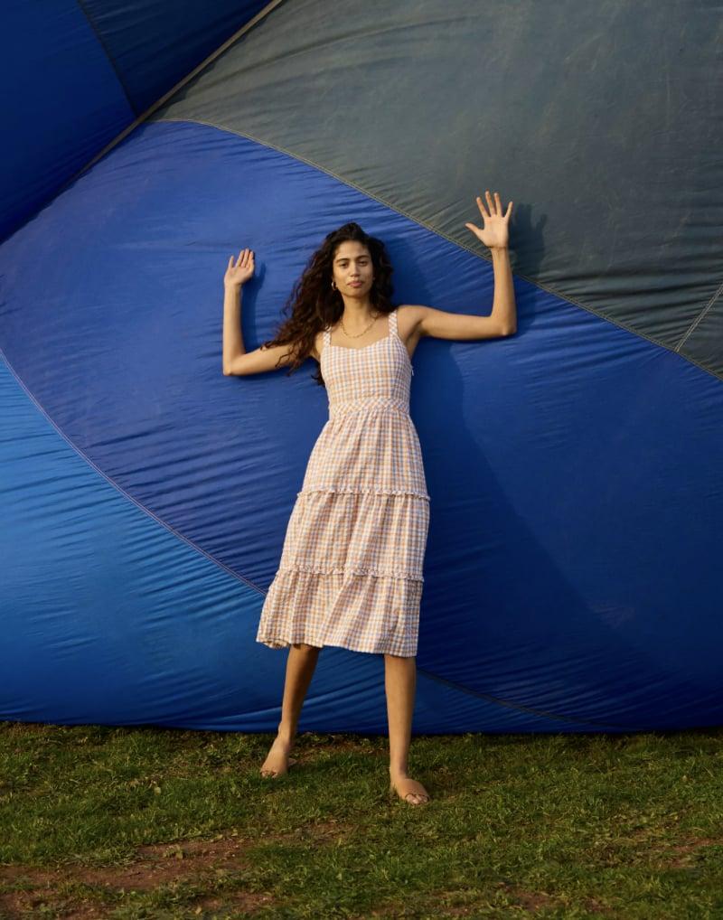 Your Weekend Adventure Look: Gingham Sweetheart Ruffle-Tiered Midi Dress