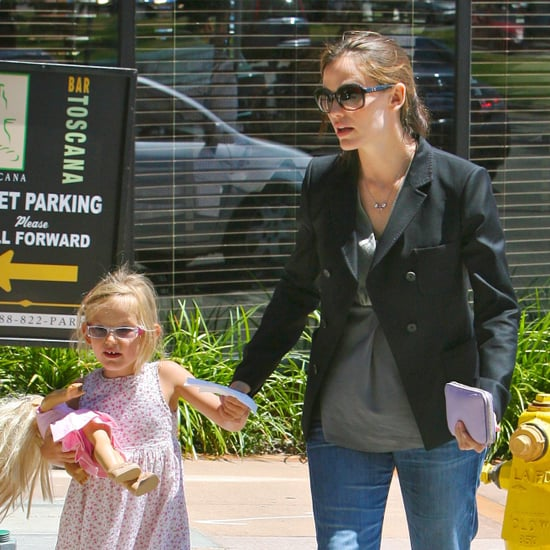 Pregnant Jennifer Garner Out With Violet Affleck Pictures