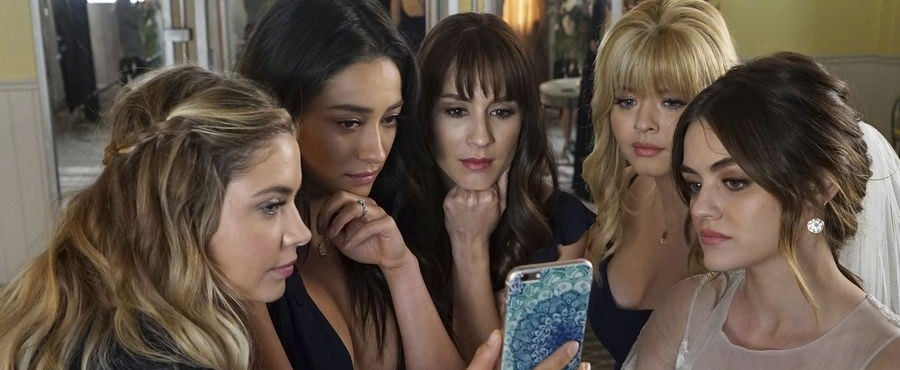 Pretty Little Liars: A.D.'s Identity Has Finally Been Revealed