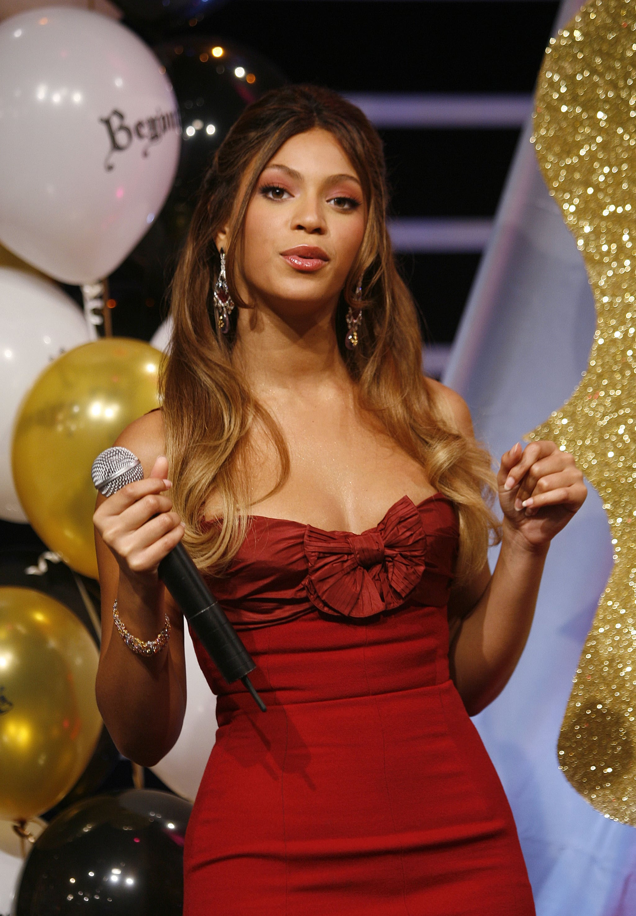 Beyonce's New B'Day Bling | POPSUGAR Celebrity