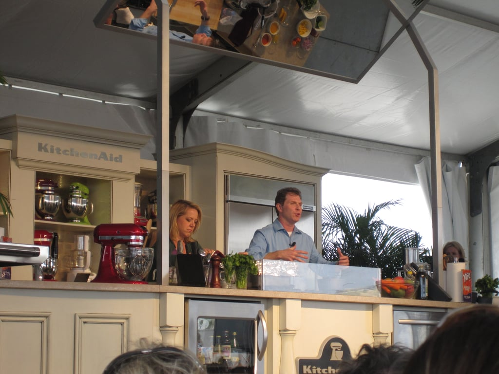 For his demo, Bobby's sous chef was Melissa d'Arabian.