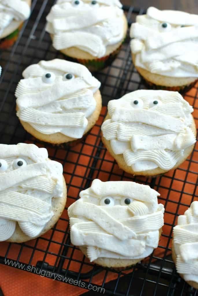 Vanilla Bean Mummy Cupcakes